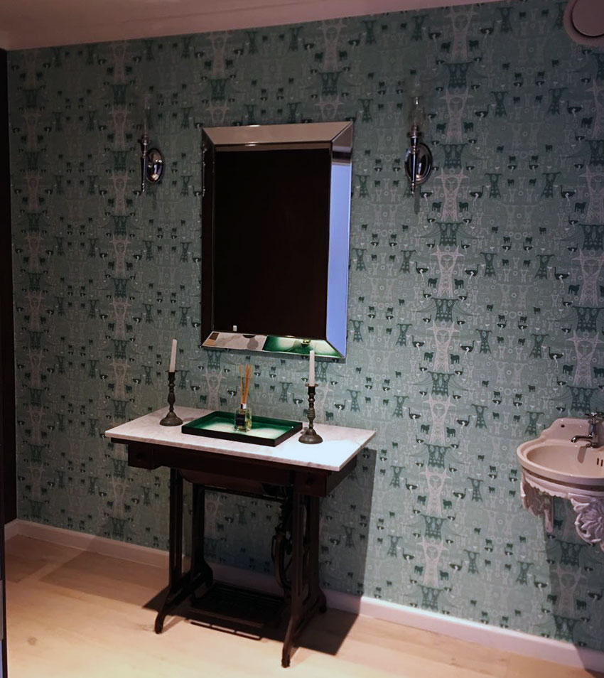 wallpaper in glamorous bathroom